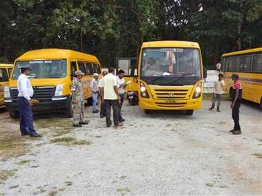 Physical Verification In Dantewada: परिवहन विभाग ने किया स्कूल बसों का भौतिक सत्यापन