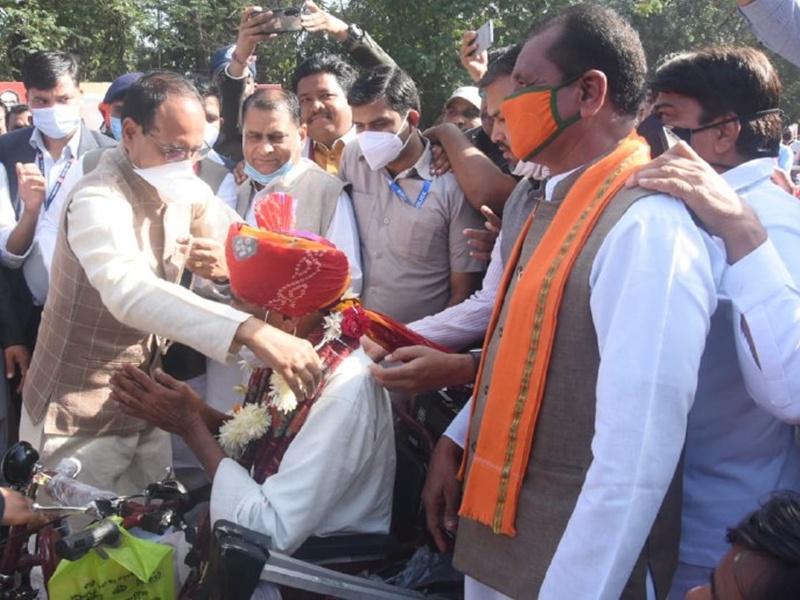 सीएम शिवराज सिंह चौहान ने महाकाल मंदिर क्षेत्र के लिए 500 करोड़ रुपये किए मंजूर