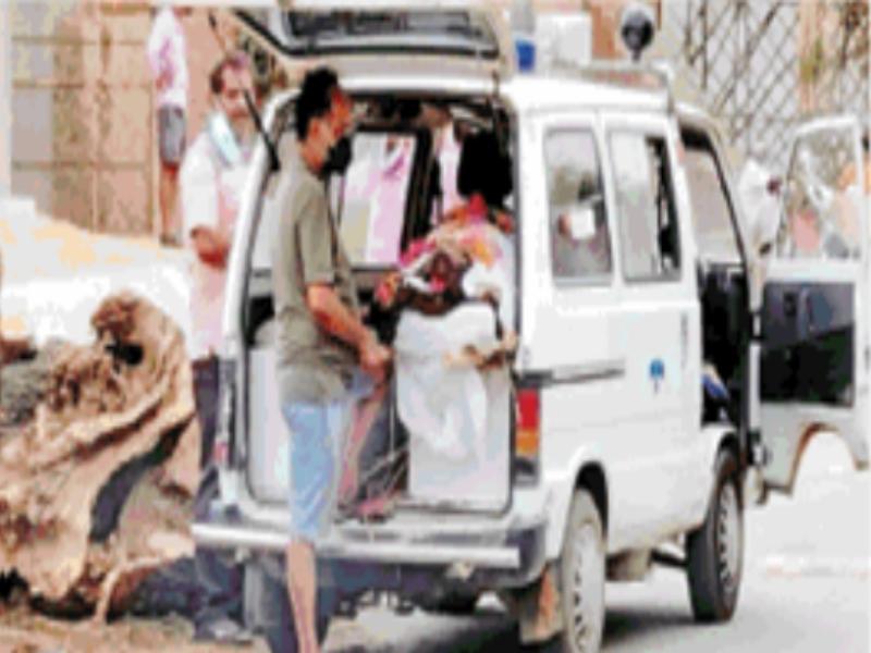 Gwalior Corona Alert News: अर्थी पर रखा शव मुस्कुराया, अस्पताल ले गए परिजन, डाक्टराें ने किया मृत घाेषित