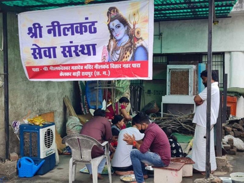 Mahadev kitchen: महादेव की रसोई से 500 जरूरतमंदाें को रोजाना करा रहे भोजन