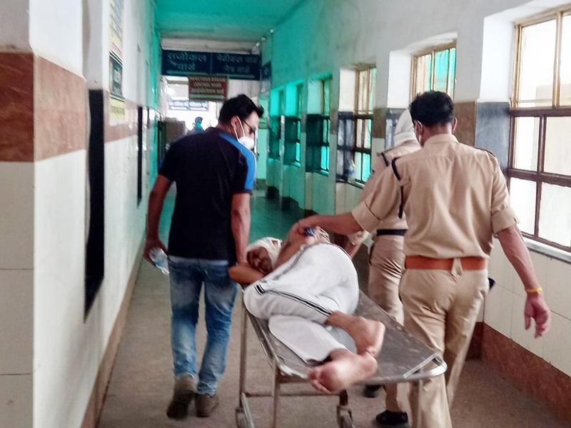 Morena News: शराब पकड़ने गई पुलिस टीम पर हमला, एएसआइ सहित तीन घायल