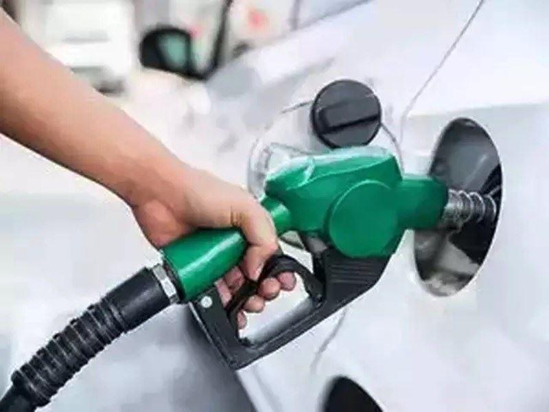 Petrol Price in MP: अनूपपुर और शहडोल में पेट्रोल 102 रुपये पार, इंदौर, भोपाल, जबलपुर और ग्वालियर में 100 रुपये से ज्यादा