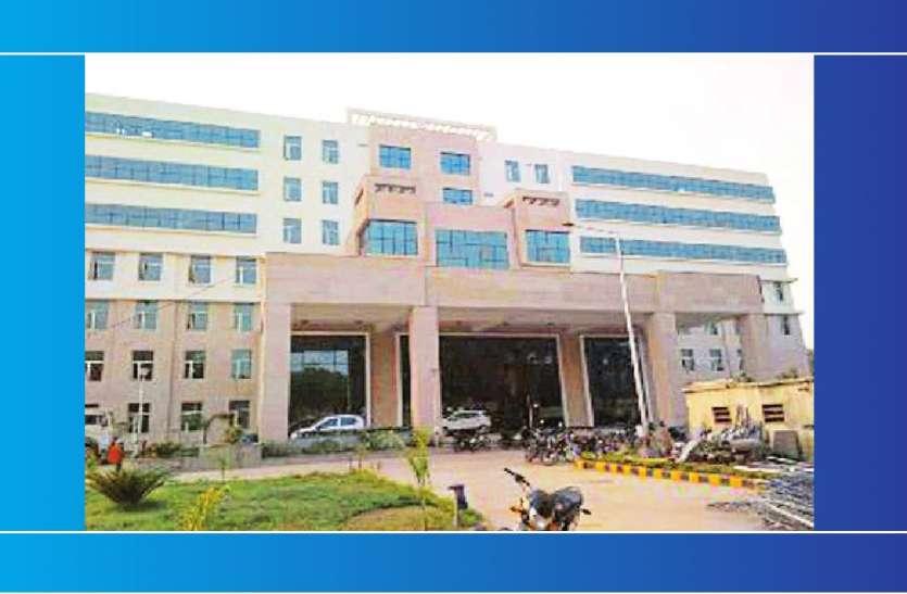 Gwalior Health Department Action News: नवजीवन अस्पताल में स्वास्थ्य विभाग का सस्पेंडेड डॉक्टर मिला डि्यूटी करते