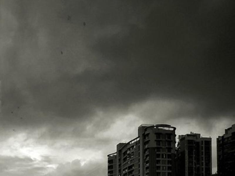 Weather Alert: महाराष्ट्र में भारी बारिश, यूपी और बिहार पहुंचने वाला है मानसून, जानिए दिल्ली का अपडेट