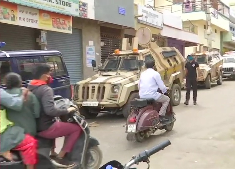 Bengaluru Violence LIVE Updates: कांग्रेस विधायक श्रीनिवास मूर्ति का भतीजा गिरफ्तार, मृतक संख्या 3 पहुंची