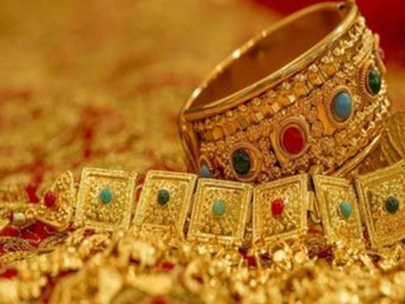 Gold Price 12 October : घरेलू बाजार में सोने और चांदी के दाम बढ़े, जानिये आज के भाव
