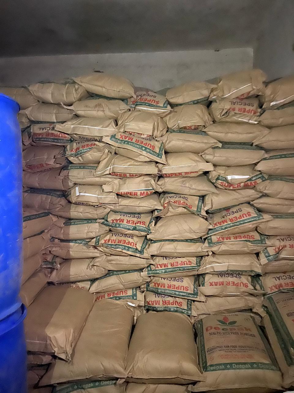 Morena News :  एसटीएफ ने अंबाह में तीन गोदामों से पकड़ा सिंथेटिक दूध बनाने वाले केमिकलों का जखीरा