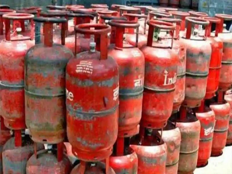 LPG Gas Subsidy 2021: गैस सब्सिडी पर नया अपडेट, लगातार घट रही घरेलू सिलेंडर की मांग, ये है कारण