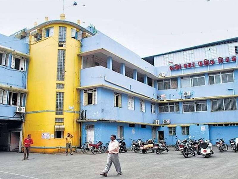 Indore News: अमानक पॉलीथिन मिलने पर गोदाम सील, एक लाख का अर्थदंड