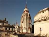 दूध पर जिंदा रहने वाले महंत के नाम पर पड़ा दूधाधारी मठ, 500 साल पुराना है इतिहास