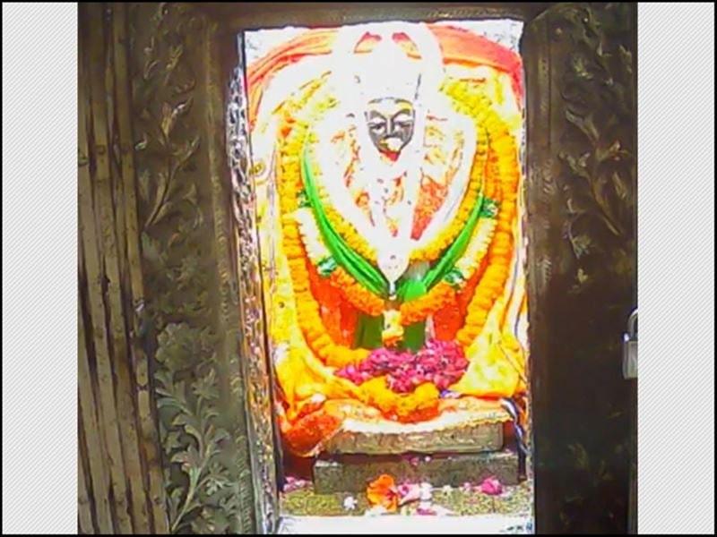 Chaitra Navratri 2021: मैहर के मां शारदा मंदिर में ताला, नवरात्र के प्रथम दिन ऐसे हुई मां की आराधना, देखें वीडियो