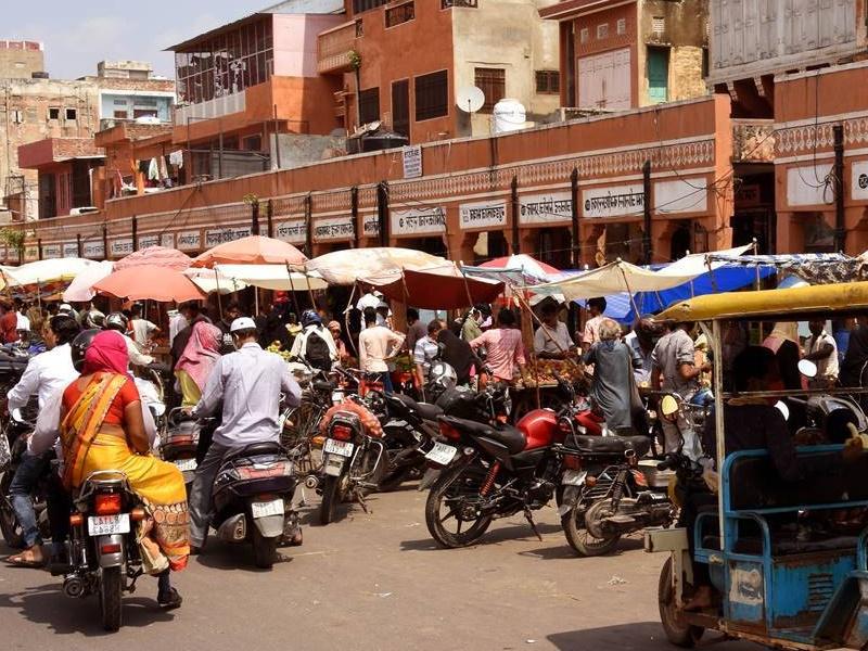 Rajasthan: धर्मगुरुओं ने धार्मिक स्थलों को भीड़-मुक्त करने पर जताई सहमति, कोविड के मद्देनजर प्रशासन संग हुई संयुक्त बैठक