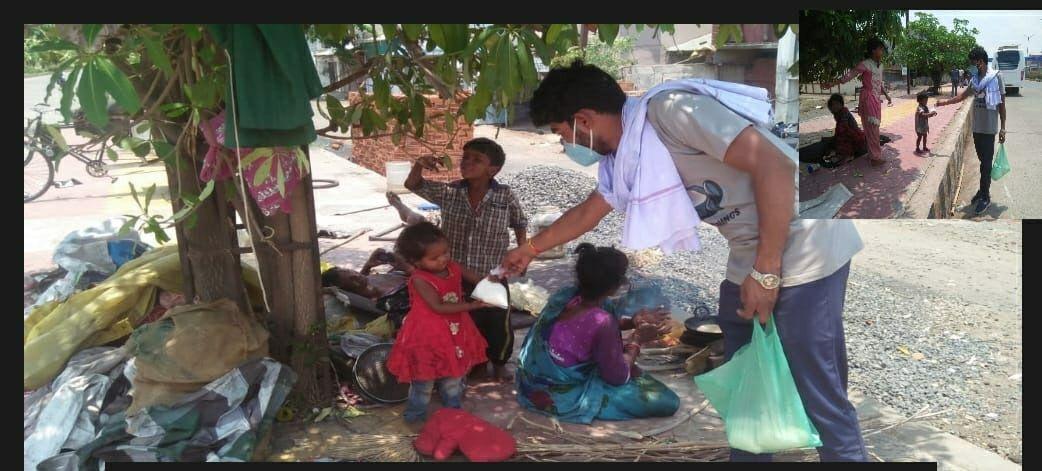 Corona curfew in jabalpur: कोरोना कर्फ्यू में दर्पण रोटी बैंक छोटे बच्चों के लिए करा रहा दूध की व्यवस्था