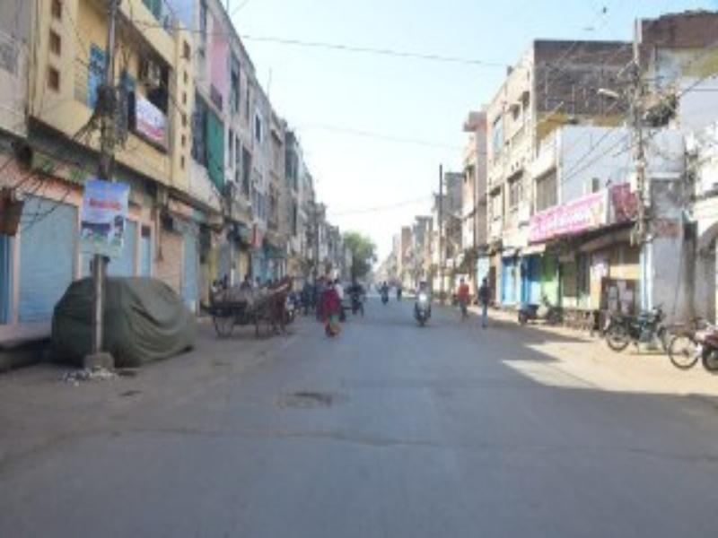 Gwalior Lockdown News: सुबह खुले बाजार, दाेपहर में पुलिस ने दुकानें बंद कराईं