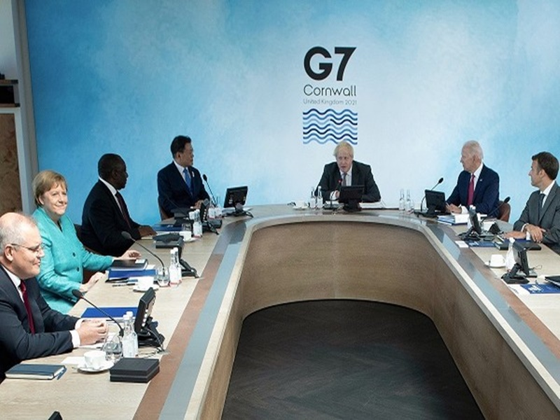 G7 Meeting: पीएम मोदी ने दो सत्रों को किया संबोधित, पर्यावरण संरक्षण और लोकतंत्र पर दिया जोर