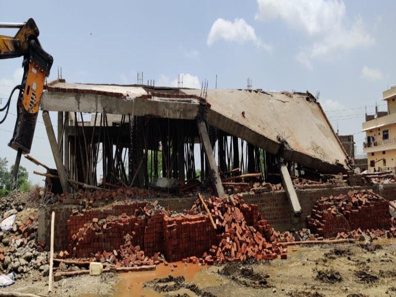 Bhopal News : सरकारी जमीन पर कब्जे हटाने की बड़ी कार्रवाई, 12 मकान प्रशासन व नगर निगम ने हटाए