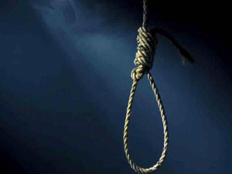 Bhind News: बेटे ने फांसी लगाई तो मां ने छत से कूदकर दी जान