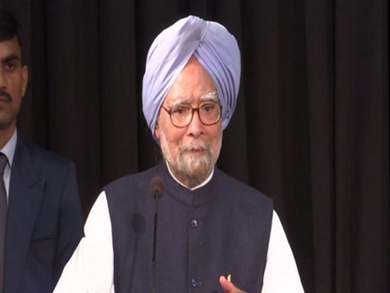 पूर्व प्रधानमंत्री मनमोहन सिंह की तबीयत बिगड़ी, बुखार की शिकायत के बाद AIIMS में हुए भर्ती