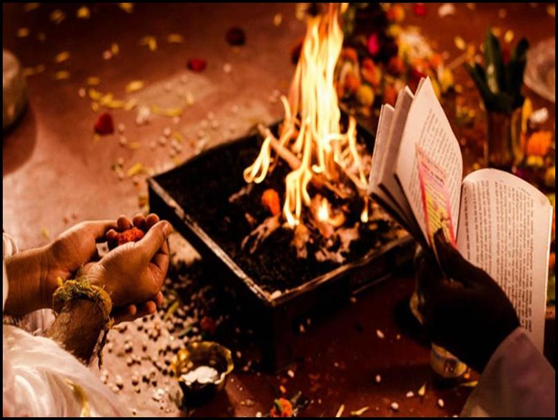 Navaratri Hawan Vidhi: दुर्गा नवमी हवन कर रहे हैं तो लगेगी ये सामग्री, जानें हवन की पूरी विधि