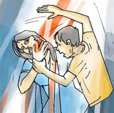 महिला की कुल्हाड़ी मार कर हत्या, हत्या की आशंका पूर्व पति पर