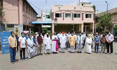 खंडवा : दो मिनट की मौन प्रार्थना से जाग उठी मानवता