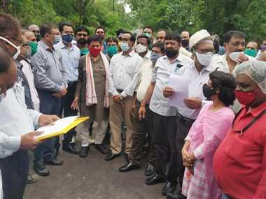 बीएसपी कर्मियों ने भरी हुंकार, थमाया हड़ताल का नोटिस