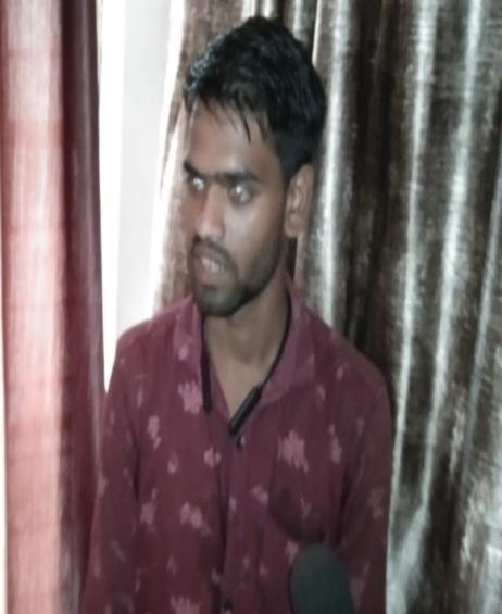Bhind News: पांच बेटियों की मां काे हुआ 21 साल के युवक से प्यार, शादी की थी तैयारी, पुलिस ने समझाया तब घर लाैटी
