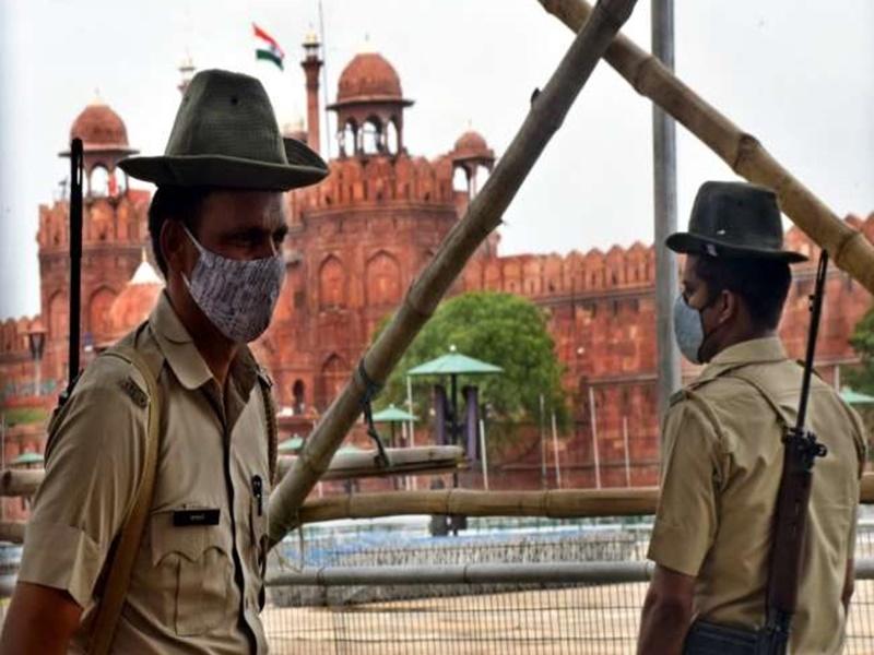 Independence Day 2020: दिल्ली में हाई अलर्ट, लाल किले पर कड़ी सुरक्षा व्यवस्था