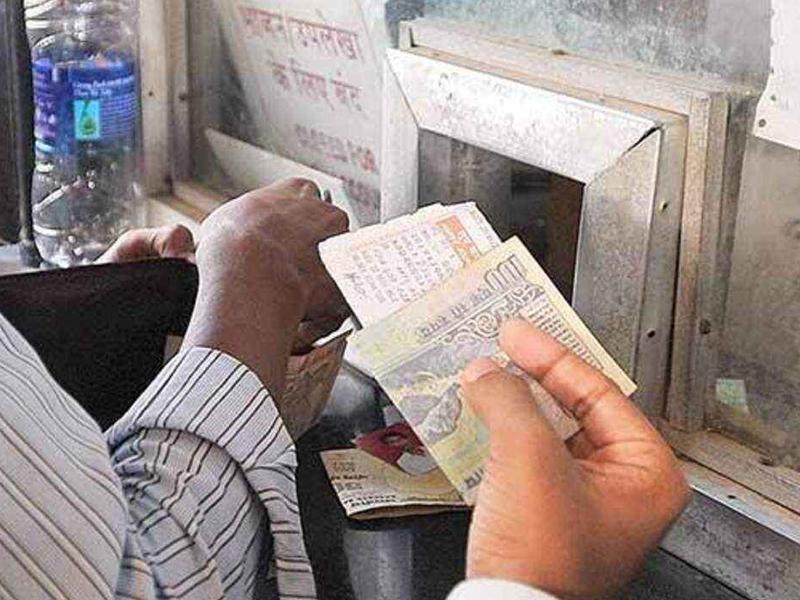 Railways का कमाल,  जुगाड़ से बनाया लैम्प बॉक्स, Train Ticket और नोट होंगे कोरोना मुक्त