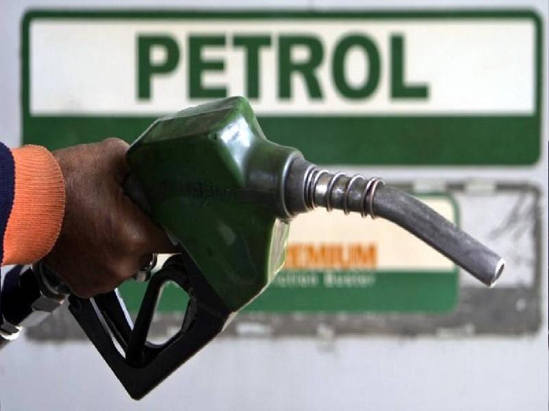 Indian Oil Cashback Scheme: इंडियन ऑयल से पेट्रोल भरवाने पर मिलेगा कैशबैक, जानें कैसा उठा सकते हैं फायदा