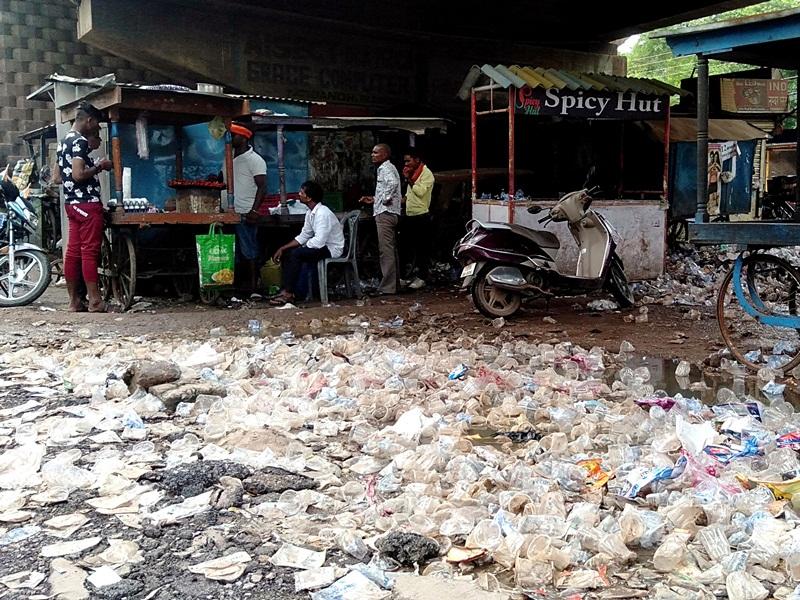Raipur Local Edit: छत्तीसगढ़ में जानलेवा प्लास्टिक की थैलियाें में बिक रहे उत्पाद