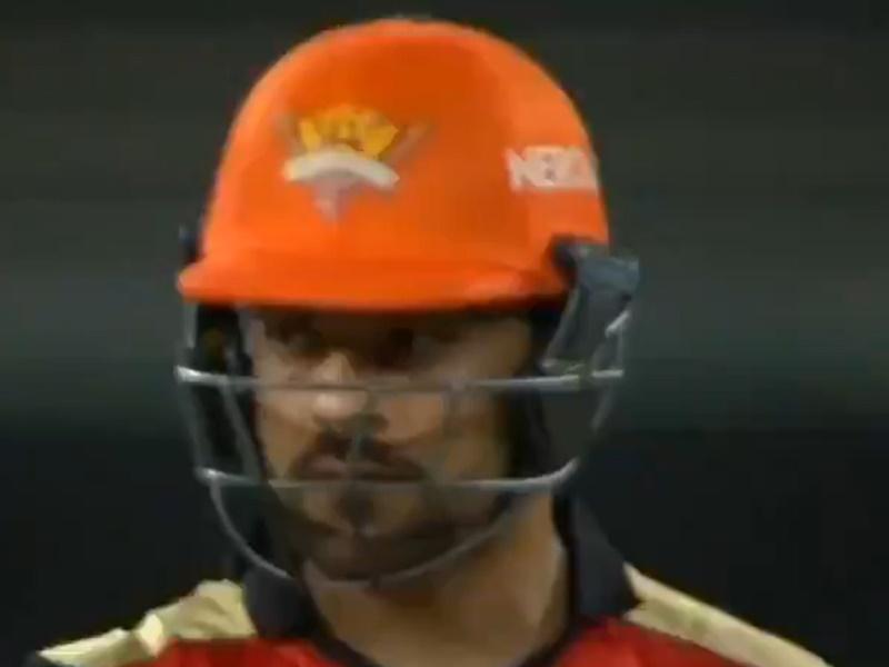 IPL 2020: राशिद खान एक गेंद पर 'दो बार' हुए आउट, फैंस ने किए ऐसे कमेंट्स, देखें Video