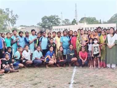 विकासखंड स्तरीय खेलकूद में बालिकाओं ने दिखाया अपना दम