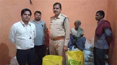 खाद संकट का फायदा उठाकर गोदाम में डीएपी खाद की नकली पैकेजिंग करने वाला गोदाम पकड़ा, 140 बोरे किए बरामद