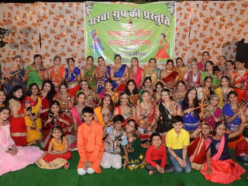 Navratri 2021: गरबा, डांडिया संग पारंपरिक अंदाज में मां की आराधना