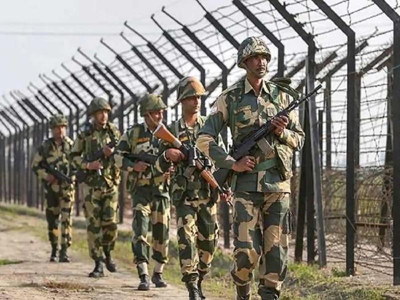 BSF का अधिकार क्षेत्र बढ़ाने पर सियासी घमासान, पंजाब और बंगाल सरकार ने जताया सख्त ऐतराज
