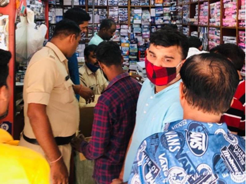 Crime News: रायपुर में टाइटन और फास्ट्रैक के नाम पर पहना रहे थे डुप्लीकेट चश्मा-घड़ी, केस दर्ज