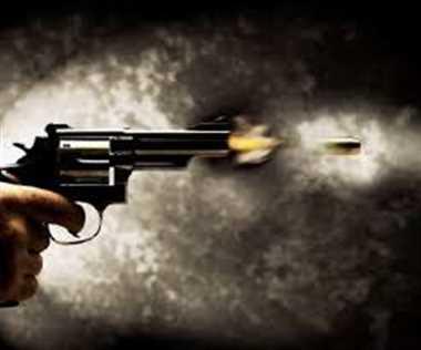 उधारी की रकम मांगी तो बड़े भाई ने दोस्त के साथ मिलकर छोटे भाई को गोली मारी