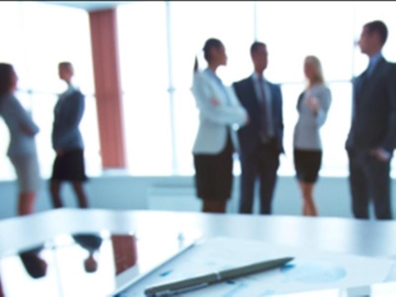 Happy Work Atmosphere: 48 प्रतिशत कर्मचारी चिंता के कारण करते हैं नियमित थकान महसूस