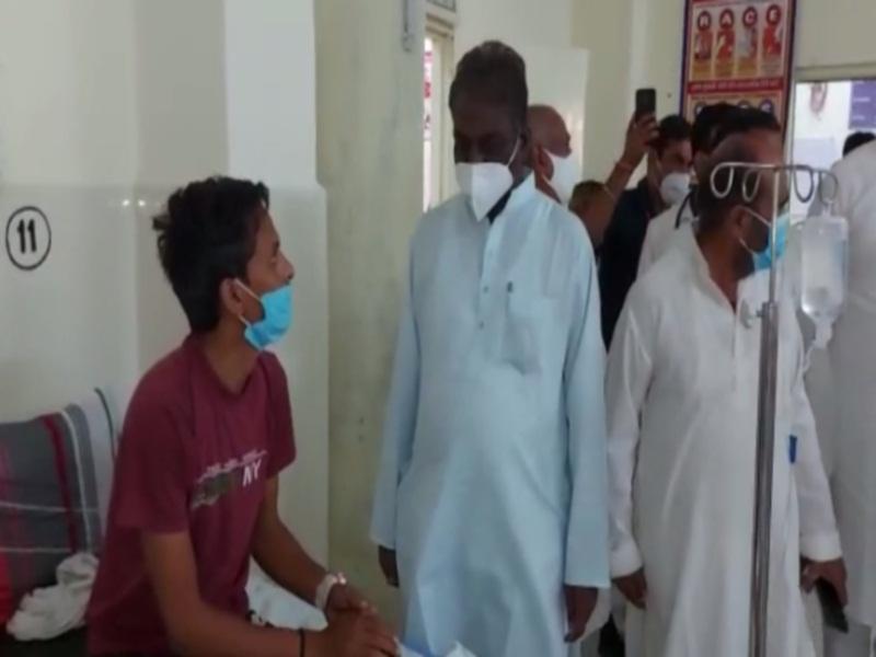 Gwalior Health News: मंत्री प्रभुराम चाैधरी पहुंचे सिविल अस्पताल हजीरा, बाेले-काेई दिक्कत हाे ताे बताओ, मैं स्वास्थ्य मंत्री हूं, चिंता मत कराे