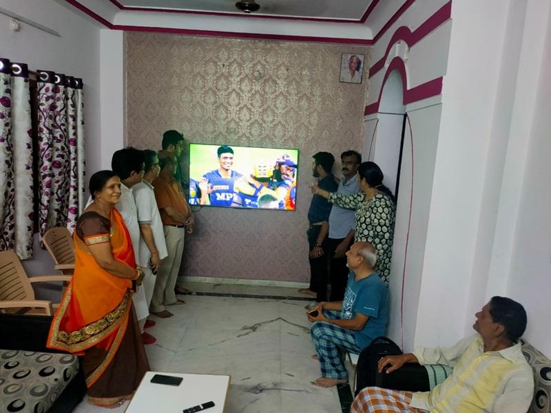 IPL 2021: इंदौर के वेंकटेश अय्यर की तूफानी पारी से कोलकाता फाइनल में, बने मैन आफ द मैच