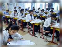 Gujarat 10th-12th Exams 2021: गुजरात बोर्ड की 10वीं और 12वीं परीक्षाएं स्थगित, पहली से नौवीं के स्टूडेंट्स बिना एग्जाम होंगे प्रमोट