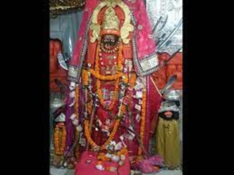 Navratri 2021: महामाया मंदिर में आरती का ऑनलाइन दर्शन कर रहे भक्तगण