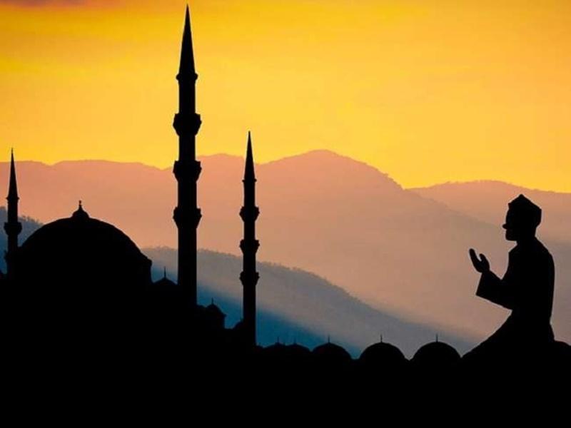 Eid 2021: भीषण गर्मी में रोजेदार दिनभर पानी की एक बूंद नहीं पीएंगे, जानिए सहरी-इफ्तार का समय