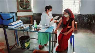 54 वैक्सीन सेंटर पर हुआ कोविड टीकाकरण