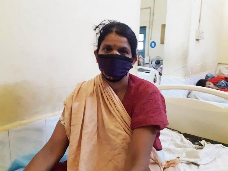 Khandwa District Hospital: ऑपरेशन कर महिला के पेट से निकाली चार गठानें
