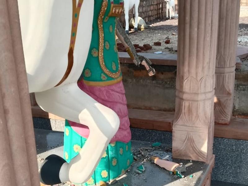 Jodhpur: असामाजिक तत्वों ने लोक देवता तेजाजी की प्रतिमा को किया खंडित, ग्रामीणों में भारी रोष