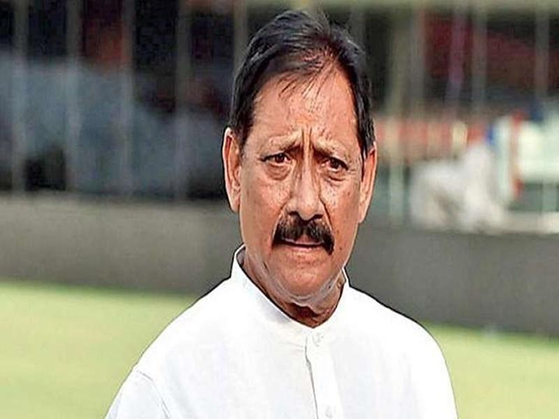पूर्व क्रिकेटर और कैबिनेट मंत्री Chetan Chauhan की हालत गंभीर, लाइफ सपोर्ट सिस्टम पर