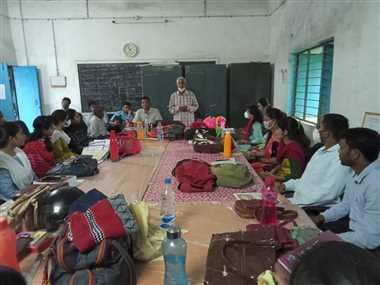 उत्कृष्ट अंग्रेजी विद्यालय में शिक्षक पालन सम्मेलन आयोजित