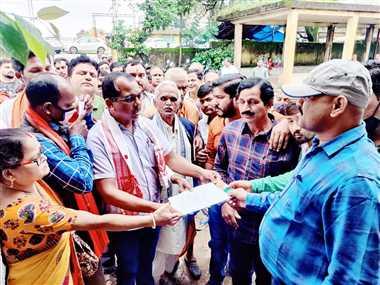 राज्य सरकार के खिलाफ भाजपाइयों ने किया प्रदर्शन